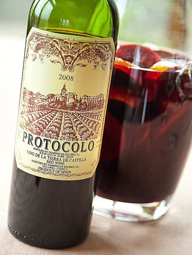 Fruity, spicy, and dangerously smooth: Red Wine Sangria! (2/2)