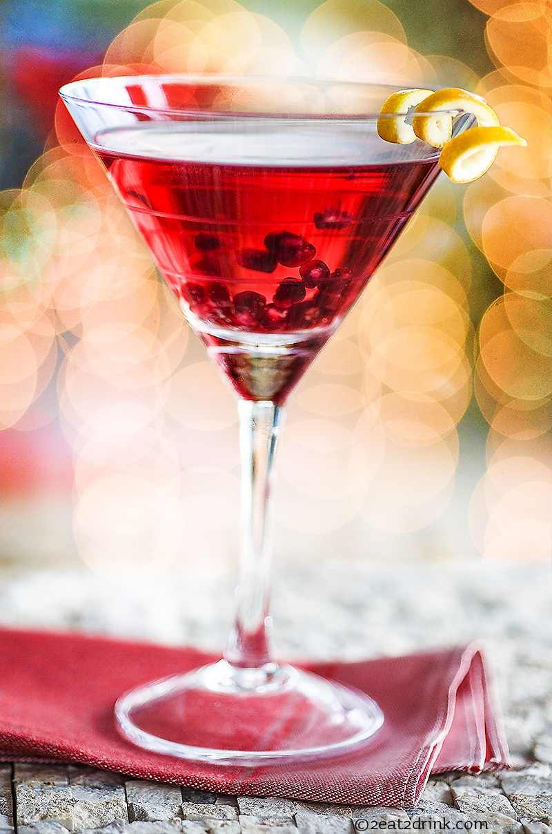 Have Yourself A Merry Little Pomegranate Martini 2eat2drink