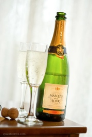 A complimentary bottle of bubbly!