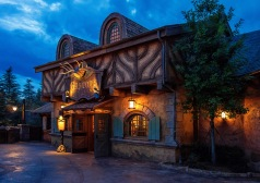 Gaston's Tavern, a great place to relax.